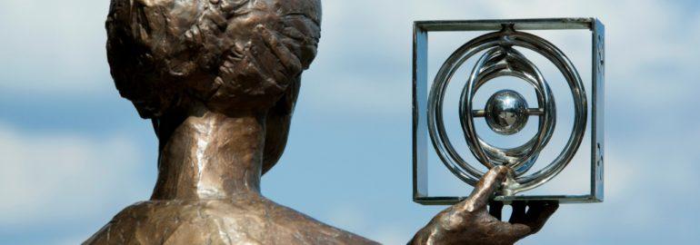 Bronzen beeld Marie Curie